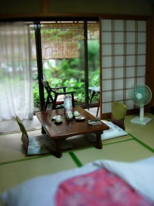 日式娃娃屋。Japanese dollhouse interior.