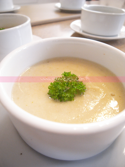 Rosemary Cauliflower Soup